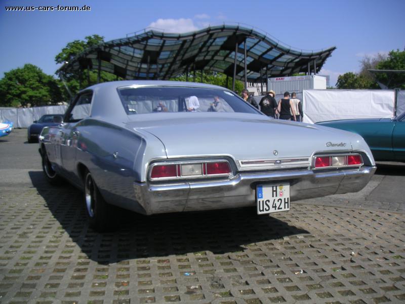 Chevrolet Impala 4dr Hardtop Sedan